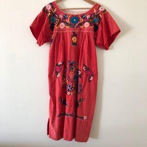 Dresses & Skirts - vintage embroidered dress